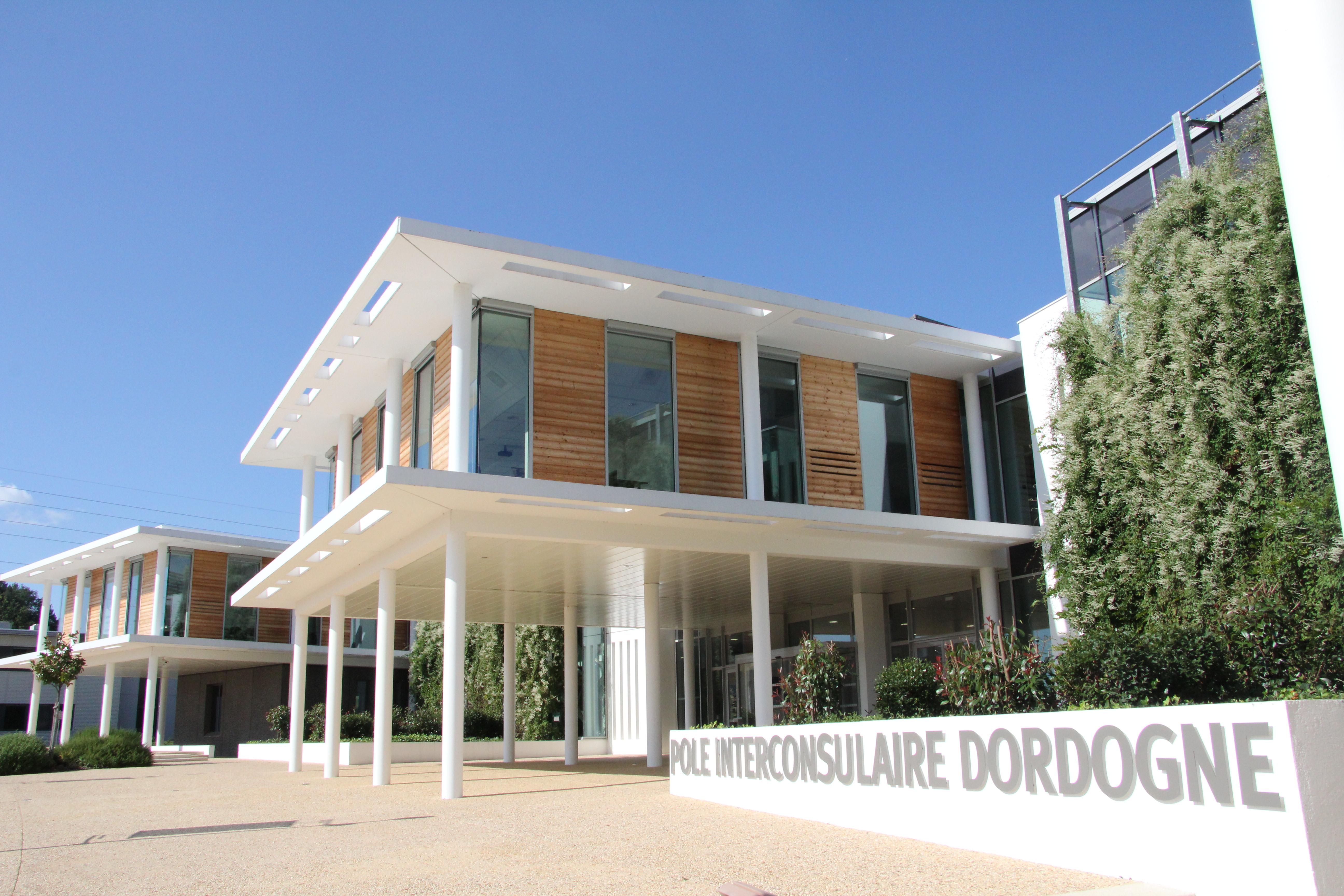 cci dordogne le p le interconsulaire chambre de commerce et d 39 industrie dordogne. Black Bedroom Furniture Sets. Home Design Ideas